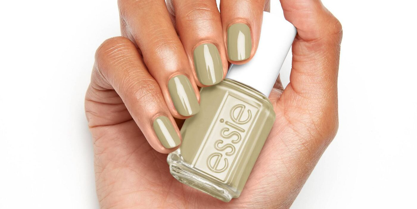 20 Transitional Fall Nail Colors to Take Your Manicure From Summer ...