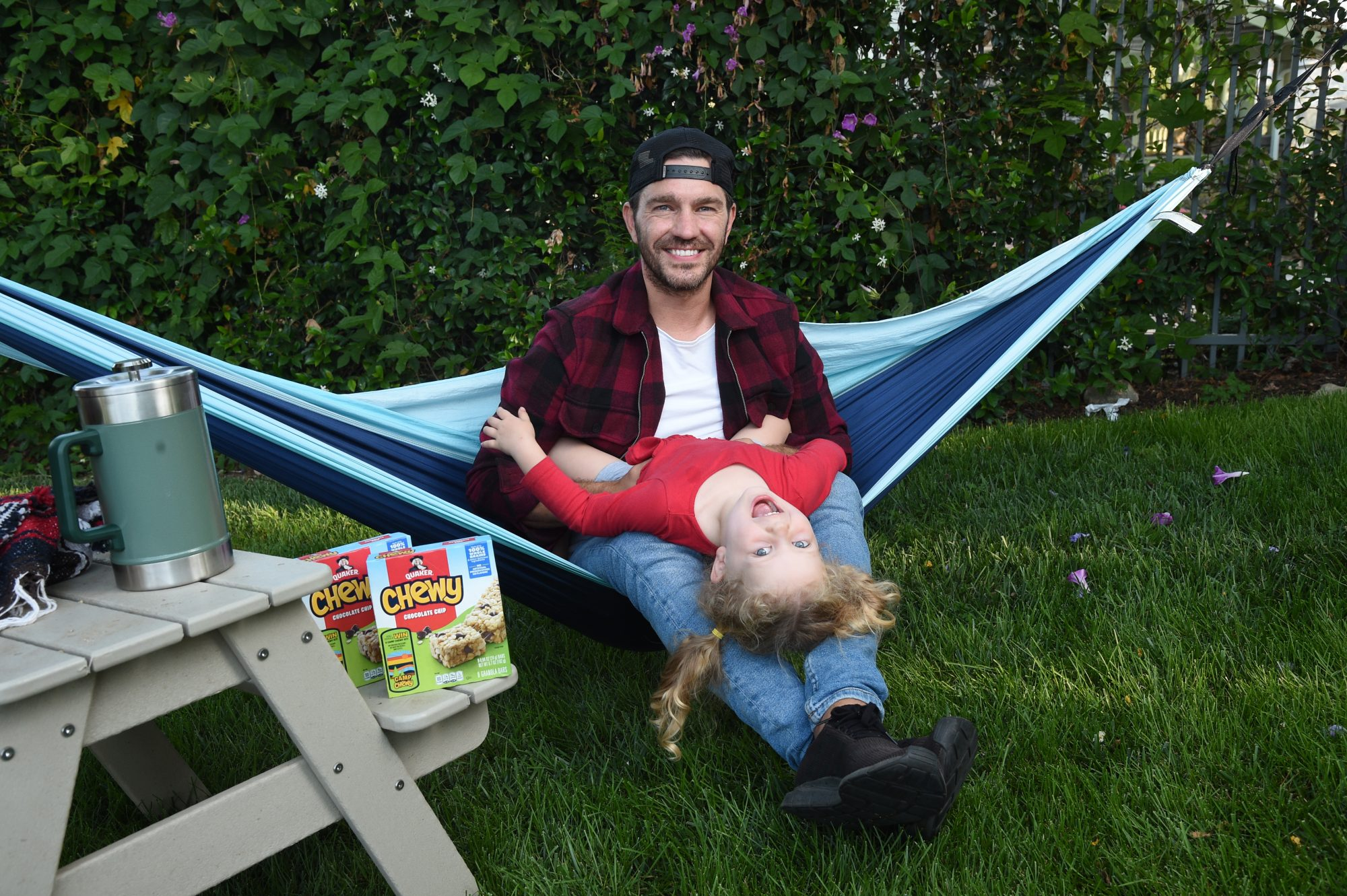 Andy Grammer and Daughter for Quaker`s Camp Chewy