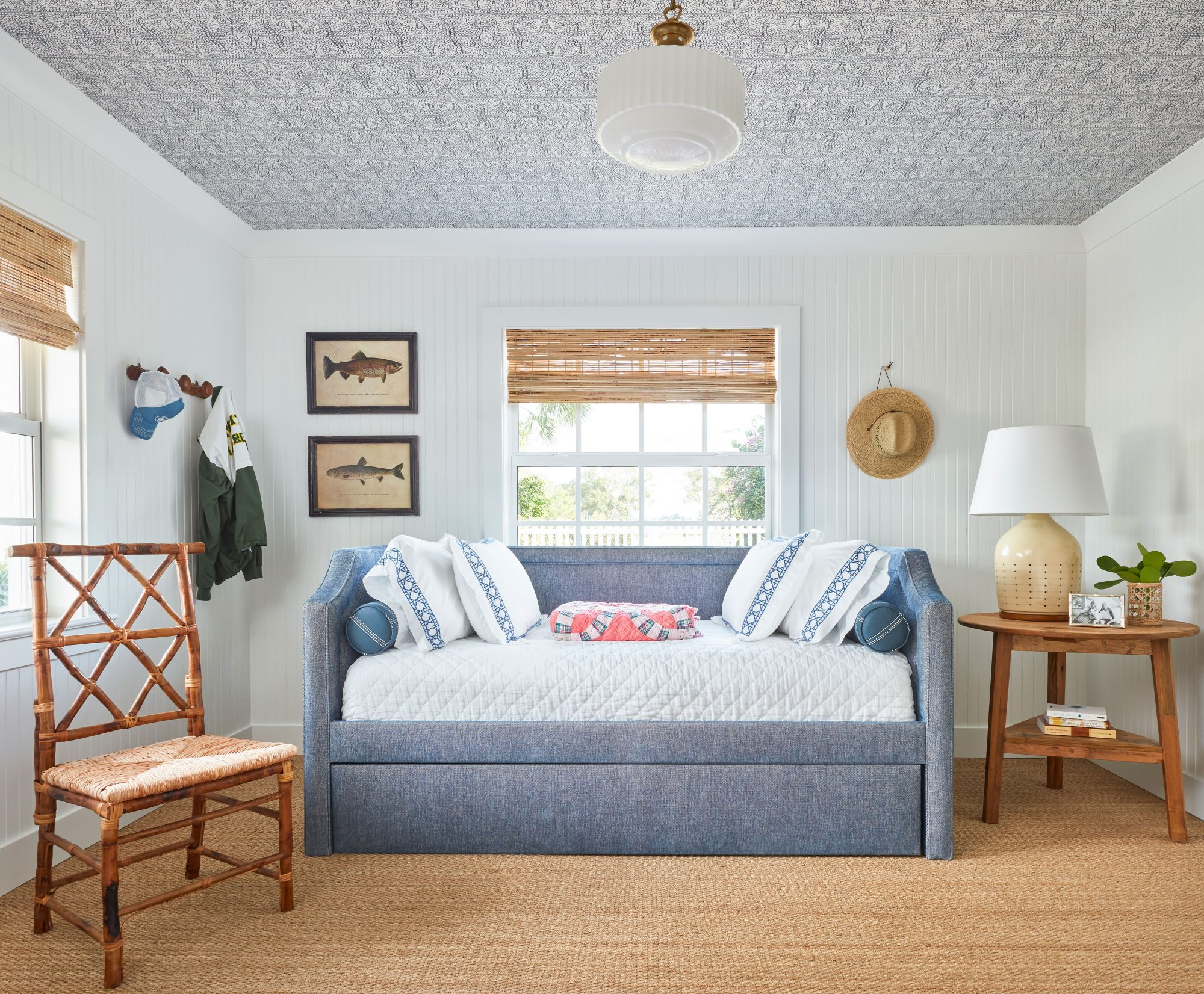 Kid's Bedroom with Trundle Bed