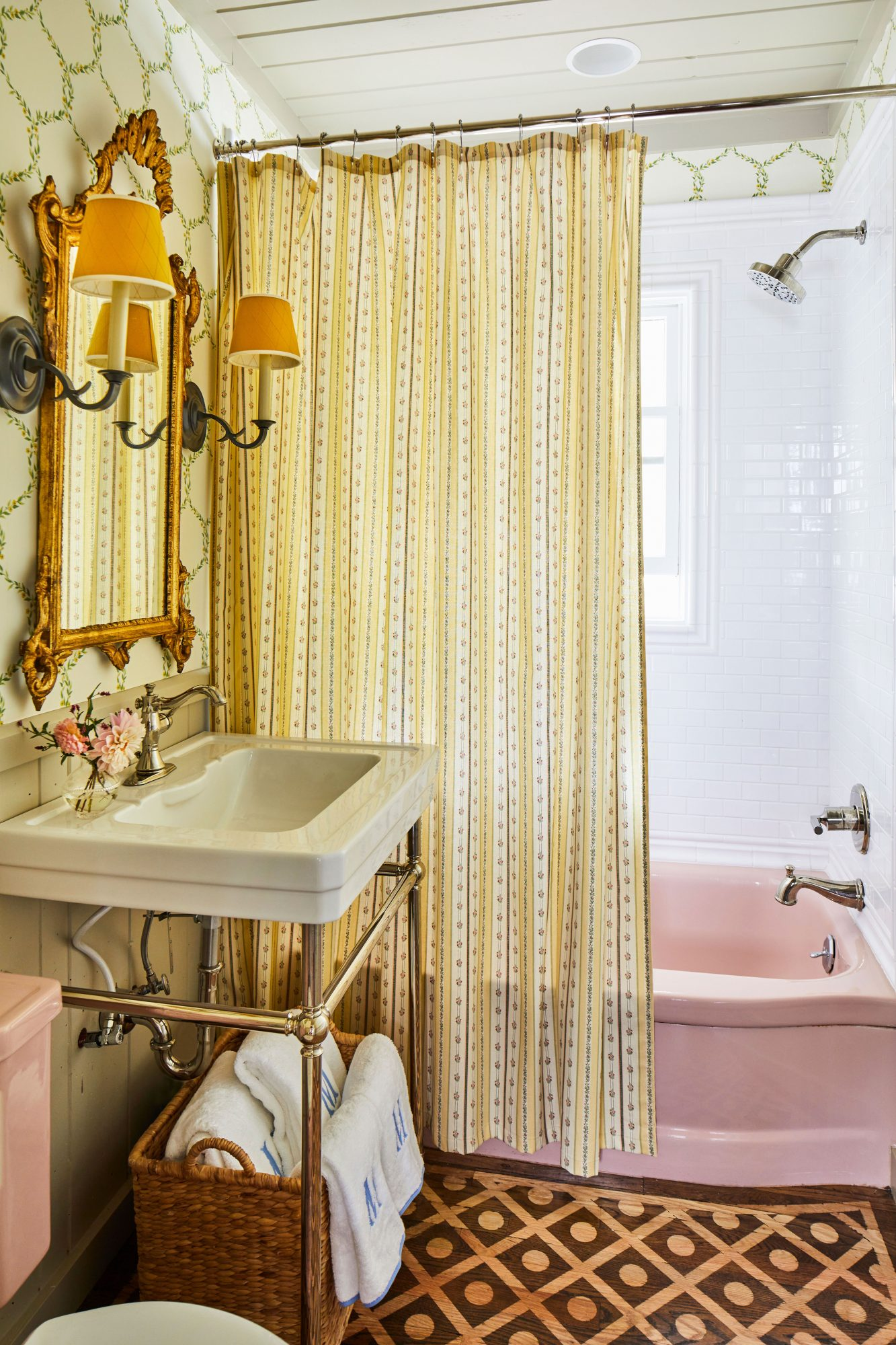 Bath with Vintage Pink Tub and Complimentary Details