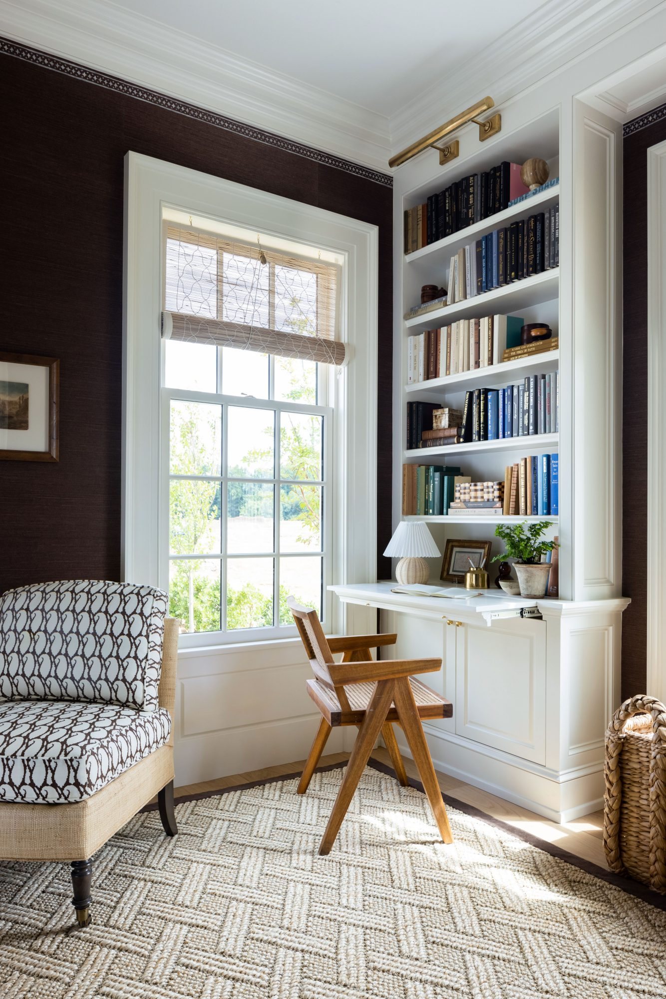 2021 Idea House Library Builtin Shelf and Pullout Desk