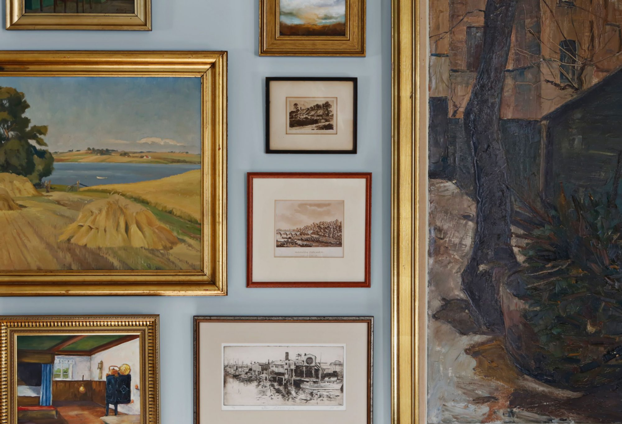 Vignette Wall with Paintings in Gold and Wood Frames