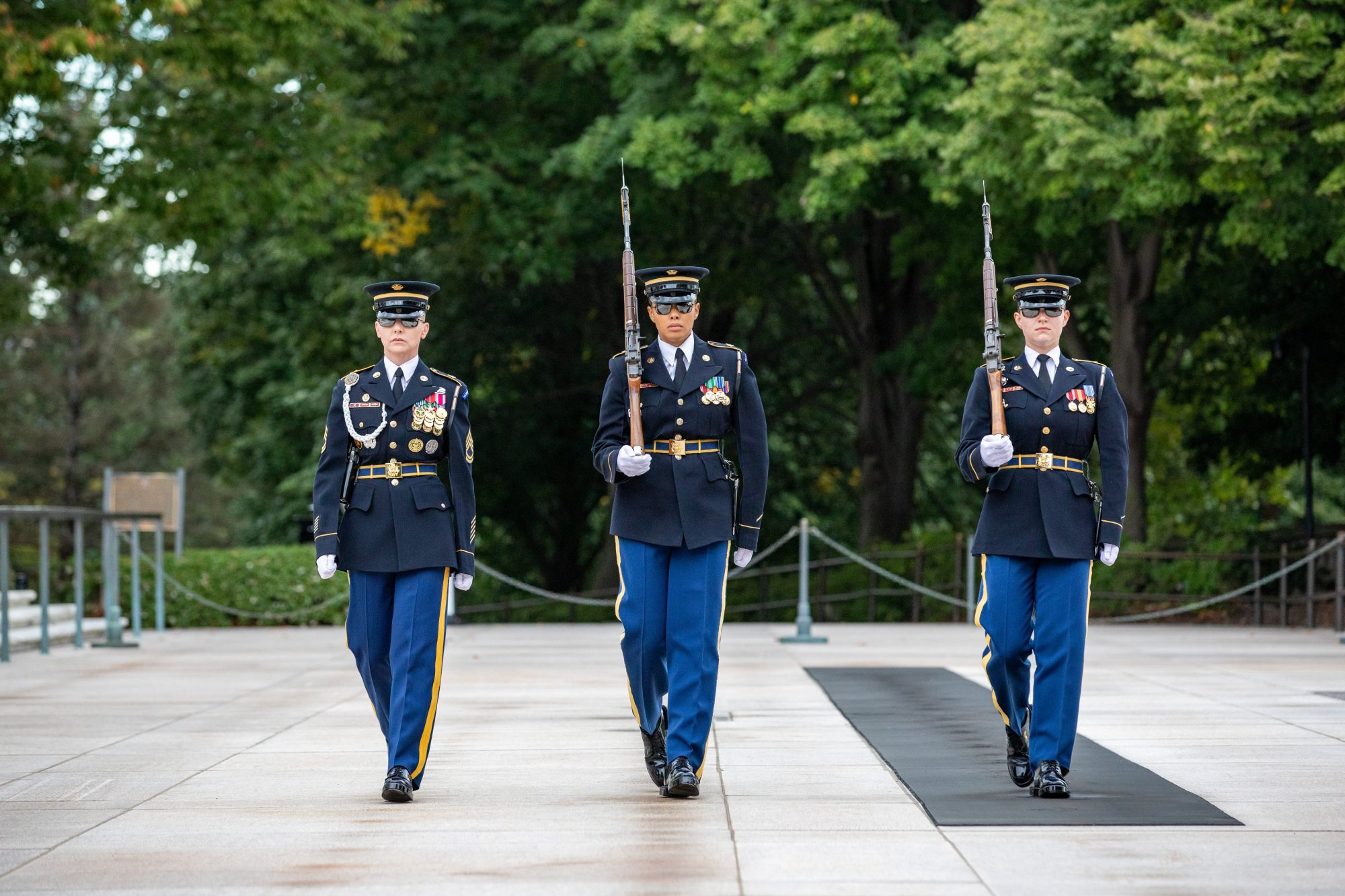 All Female Guard Change Tomb of the Unknown Solider