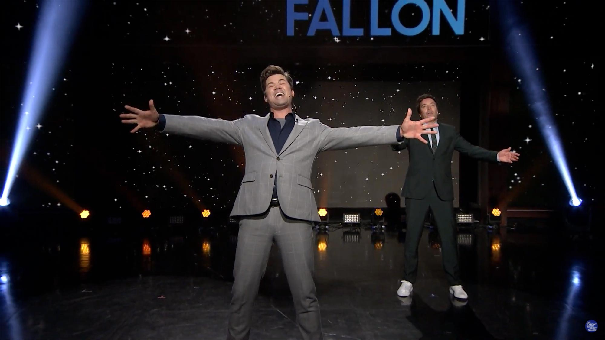 """2020: The Musical"" Jimmy Fallon and Andrew Rannells Recap the Year with Broadway Songs"