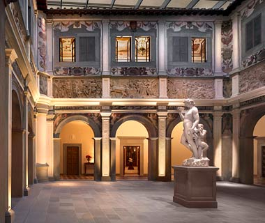 Best Hotel Art Collections: The Four Seasons Hotel, Florence, Italy