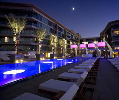 The Hottest Hotel Rooftop Bars: Sunset Beach at the W