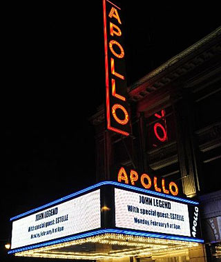 America's Best Retro Escapes: Open-Mike Night at the Apollo Theater