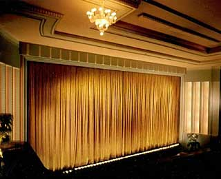 Best Vintage Movie Theaters: The Astor Theater
