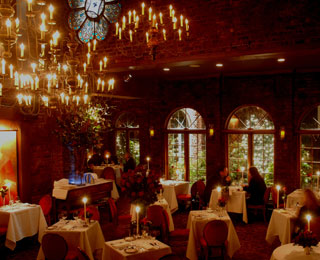 10 Must-Avoid Spots for Singles on Valentine's Day: Candlelit Restaurants