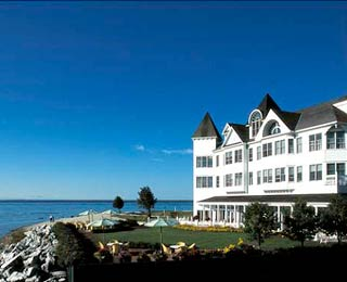 Best Resorts for Family Reunions: Hotel Iroquois