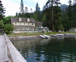 Best Resorts for Family Reunions: Lake Crescent Lodge