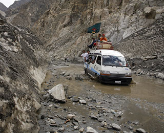 World's Scariest Roads: Karakoram Highway, Pakistan to China