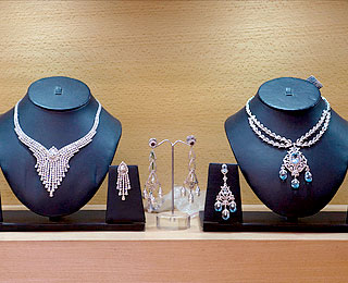 Delhi's Top Shops: Shrihari Diagems