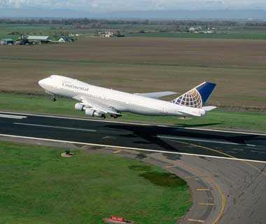 America's Best & Worst Airlines 2009