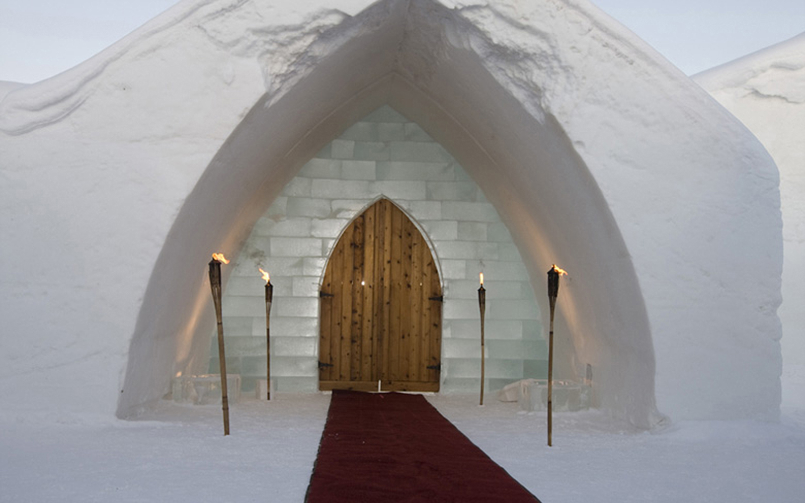 World's Strangest Places to Get Married: Ice Hotel
