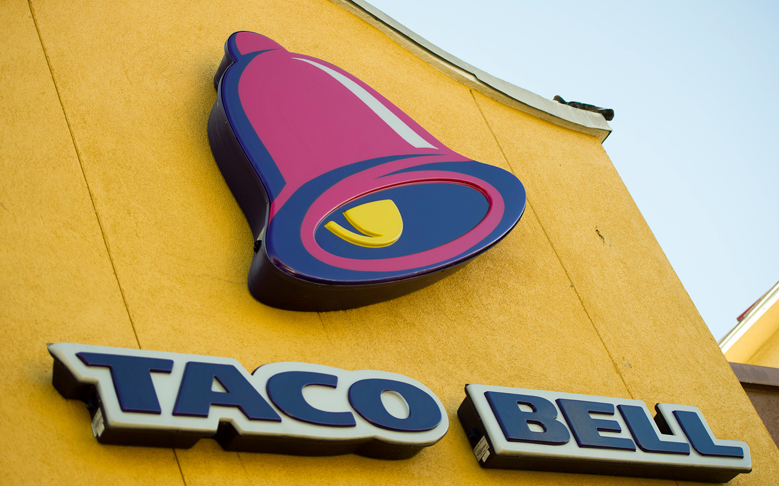 World's Strangest Places to Get Married: Taco Bell