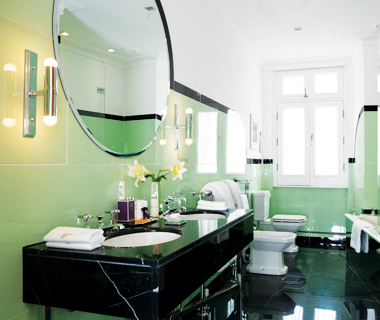 Claridge's hotel bathroom