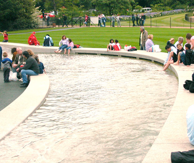 world's most controversial monuments: Diana, Princess of Wales Memorial Fountain, London