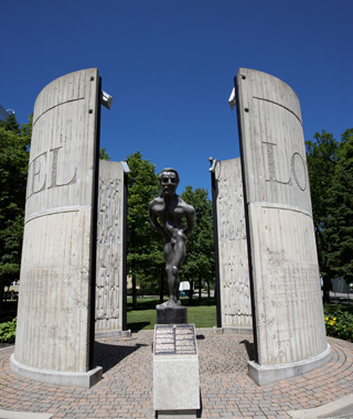 world's most controversial monuments: Statue of Riel, Manitoba, Canada