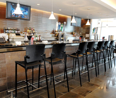 airport loung access: Use Frequent Flyer Discounts
