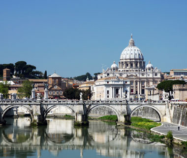 world's most popular landmarks: St. Peter's Basilica, Rome
