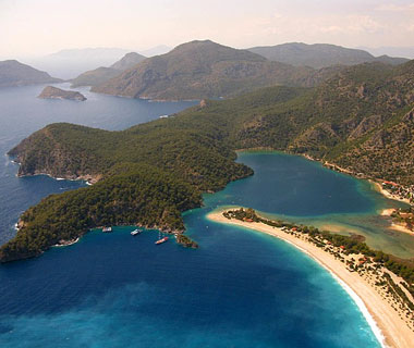 beautiful beaches: Oludeniz, Fethiye, Turkey