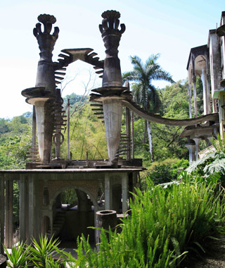 world's coolest staircases: Las Pozas