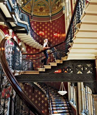 world's coolest staircases: St. Pancras Hotel