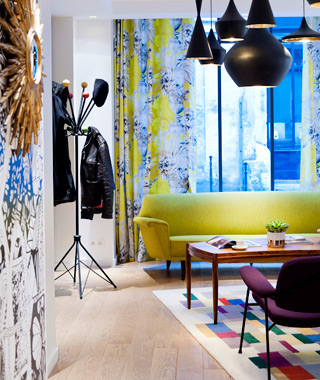 affordable Paris hotels: Le Crayon