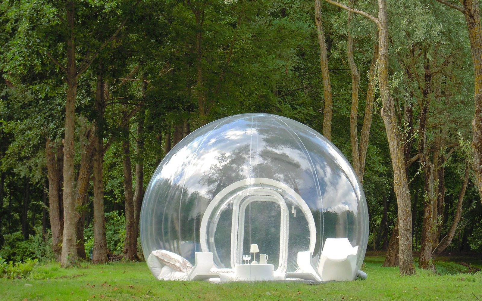 201203-w-unusual-hotels-bubble-tree