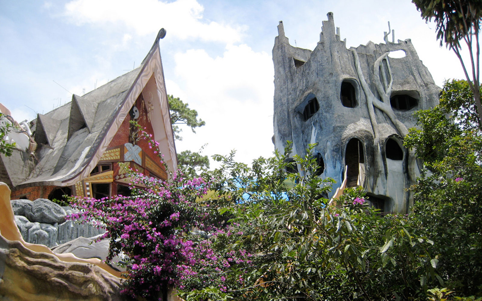 world's most unusual hotels: Hang Nga Guesthouse