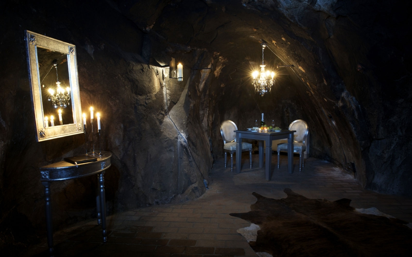 world's most unusual hotels: Sala Silvermine Underground Suite