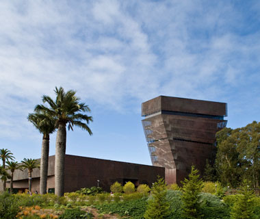 new landmarks around the world: De Young Museum
