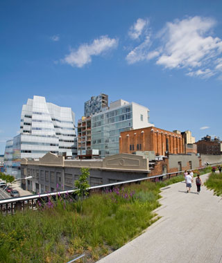 new landmarks around the world: The High Line