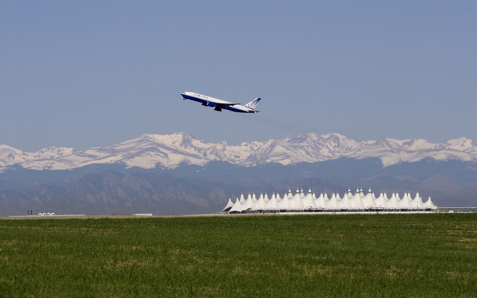 America's best and worst airports: Denver (DEN)