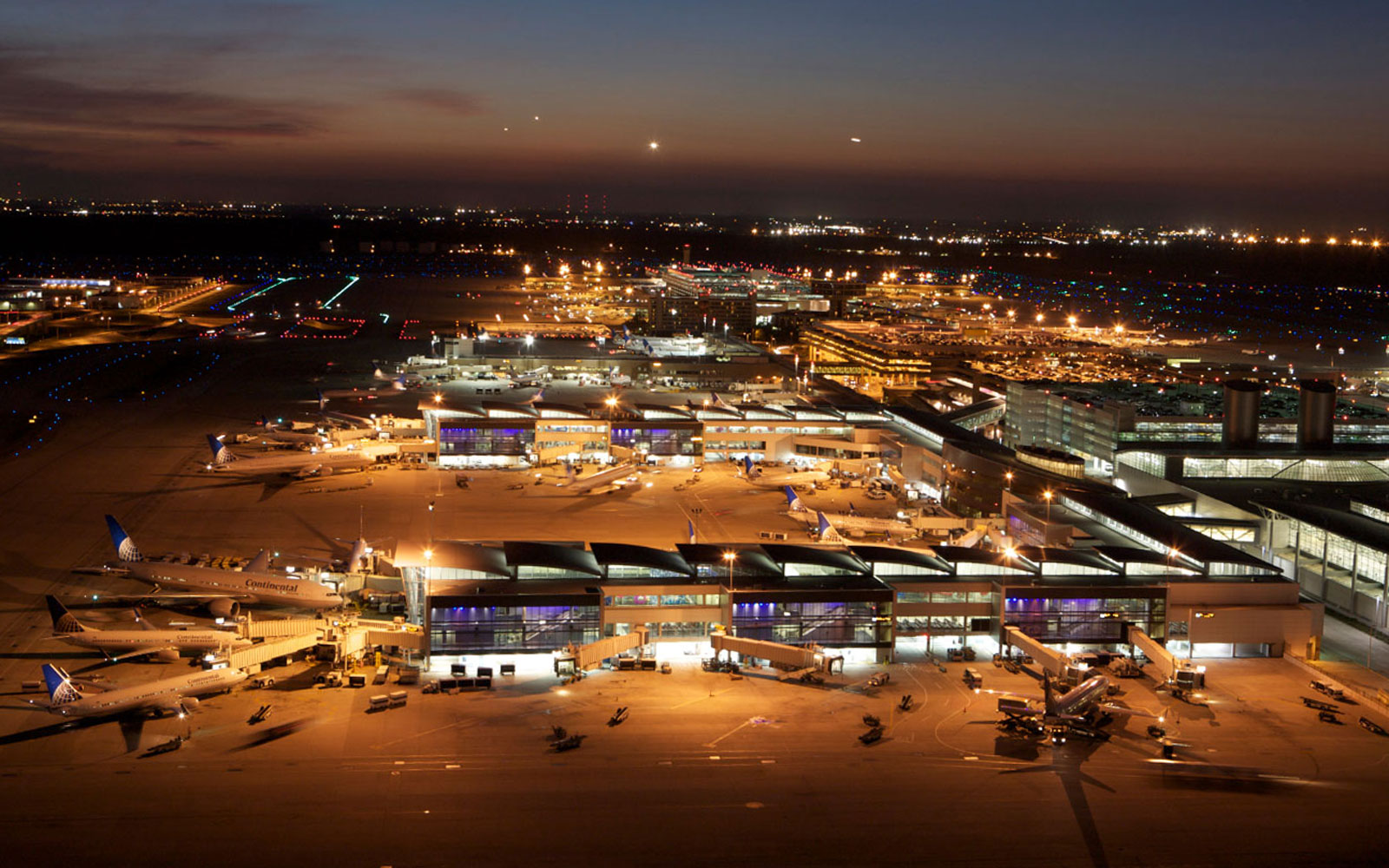 America's best and worst airports: Houston (IAH)