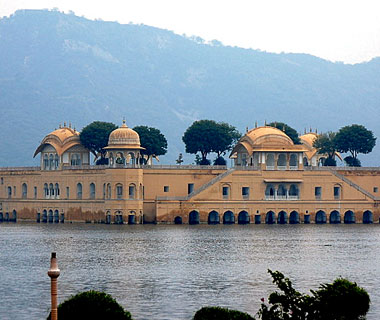 beautiful castles: Jal Mahal, Jaipur, India