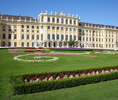 beautiful castles: Schönbrunn Palace, Vienna