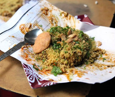 world's most delicious street food: Mumbai