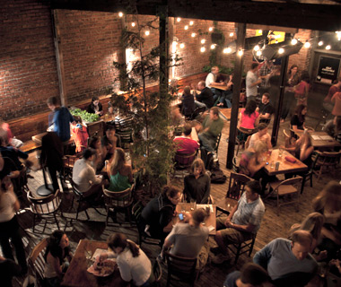 America's Best Outdoor Bars: King's Hardware