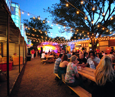 America's Best Outdoor Bars:The Foundry