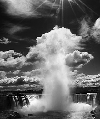 beautiful waterfalls: Niagara Falls, Ontario/NY