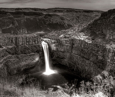 beautiful waterfalls: Palouse Falls, Palouse Falls State Park, WA