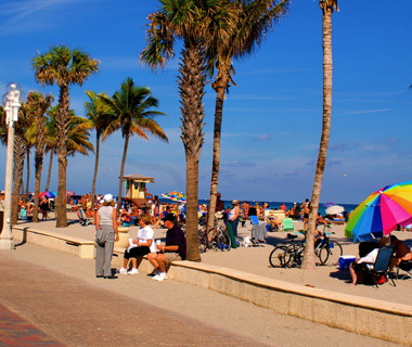America's Most Crowded Beaches: Hollywood, FL