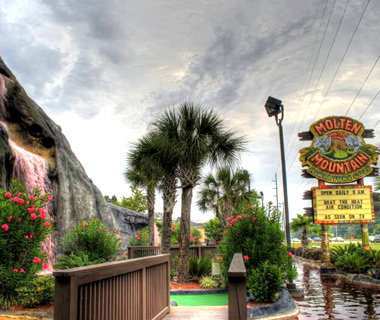 Wackiest Mini-Golf Courses: Molten Mountain Golf