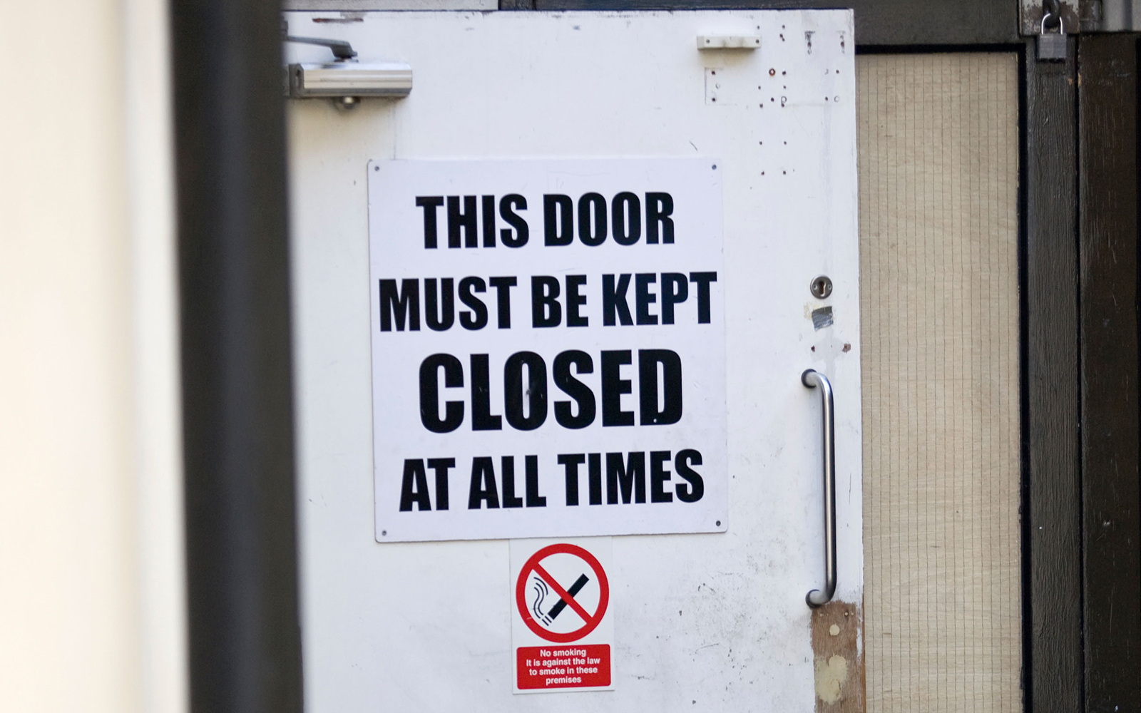 Funny Signs from Around the World: closed door