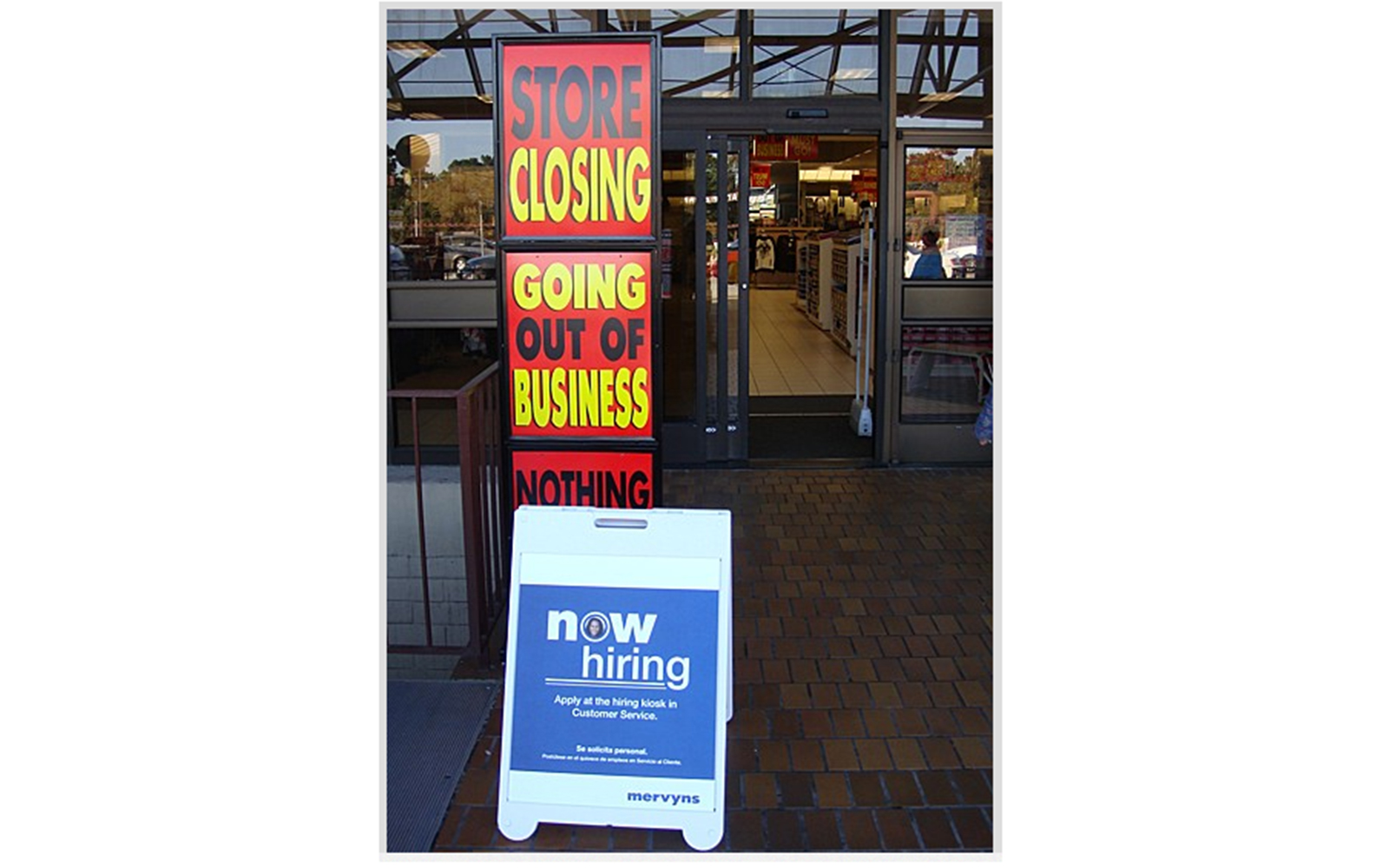 Funny Signs from Around the World: store closing