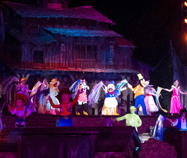 Most Romantic Disney Vacations: Fantasmic