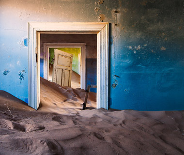 World's Most Mysterious Buildings: Kolmanskop Diamond Camp