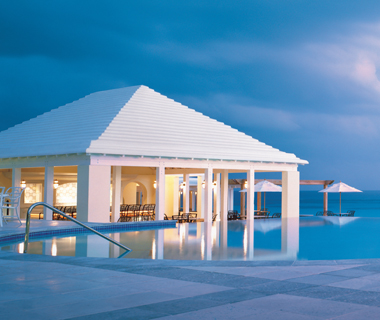 Best Resorts in the Caribbean: Rosewood Tucker's Point Hotel & Spa